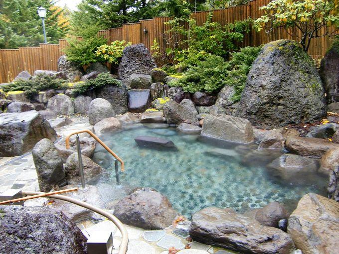 森の中のホテル!大浴場は露天風呂付で肌がツルツルに