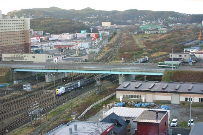 上層階からの眺め最高!鉄道ファンにはたまらない!