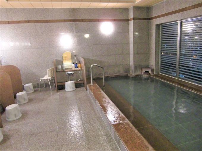 浴場「旅人の湯」は天然温泉!眺めよし!