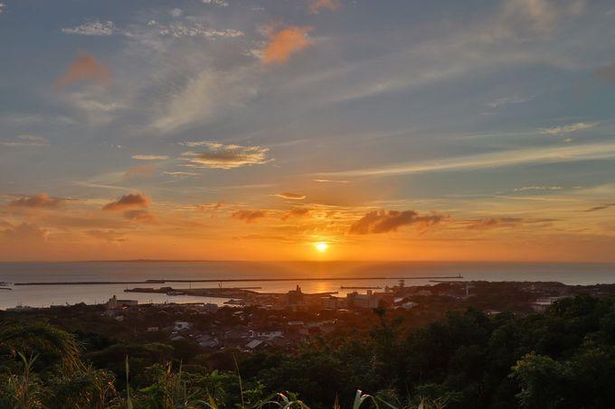 西之表市街と夕日がきれいな「夕暉が丘」!戦艦大和の碑も