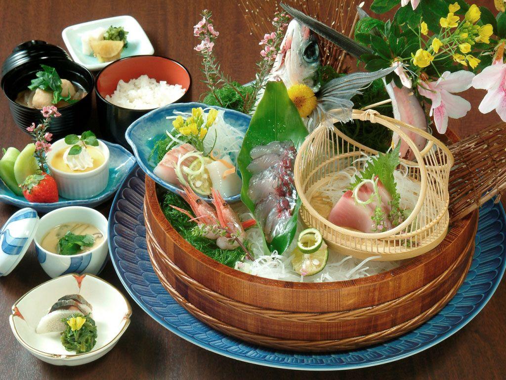 お食事処では屋久島の美味しい食材がいっぱい!