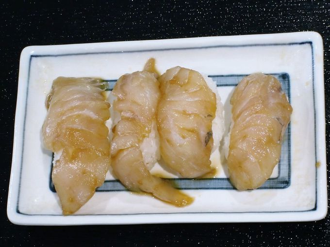 「minato にぎわいテーブル」は島グルメラーメンが人気!