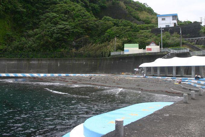 大島入港時には御神火温泉が便利!岡田港近くには海水浴場