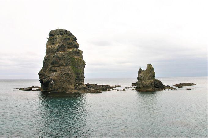 島北西部には奇岩!奥尻ブルーがきれいな場所も