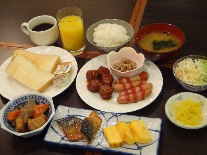 朝食ビュッフェは朝3:50から9:00まで!