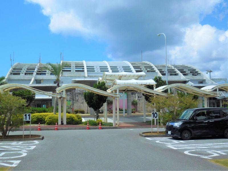 久米島空港は景色がきれい!カフェ・土産店も素晴らしい空の玄関