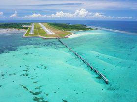周辺観光やグルメも楽しめる!沖縄「みやこ下地島空港ターミナル」