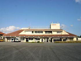 沖縄県「多良間空港」は天然塩や島土産が揃う多良間の玄関!