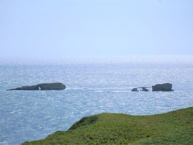 霧多布湿原に窓岩の眺望!浜中町・琵琶瀬展望台