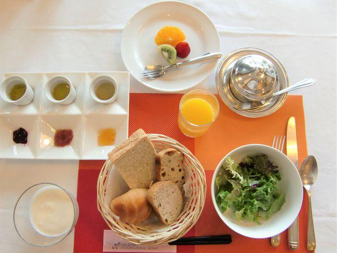 朝食は地元長崎の食材を使ったオーダーメニューも!