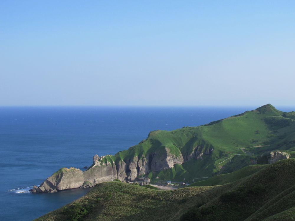 室蘭八景 断崖絶壁の海岸景観 朝日の金屏風、夕日の銀屏風