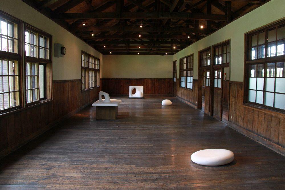 展示空間として甦った木造校舎