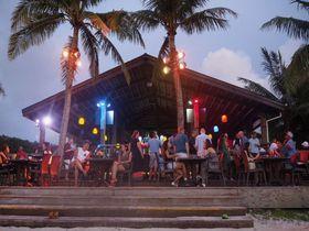 グアムのビーチで夕日を眺めるならここ!「ザ・ビーチ(The Beach Bar & BBQ)」