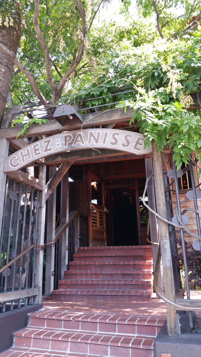 アメリカで最も予約が取れないと言われるレストラン「 シェ・パニーズ」とは?