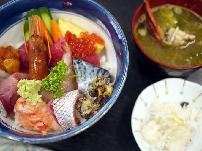 海の幸、潟の幸、両方楽しめる道の駅の海鮮丼