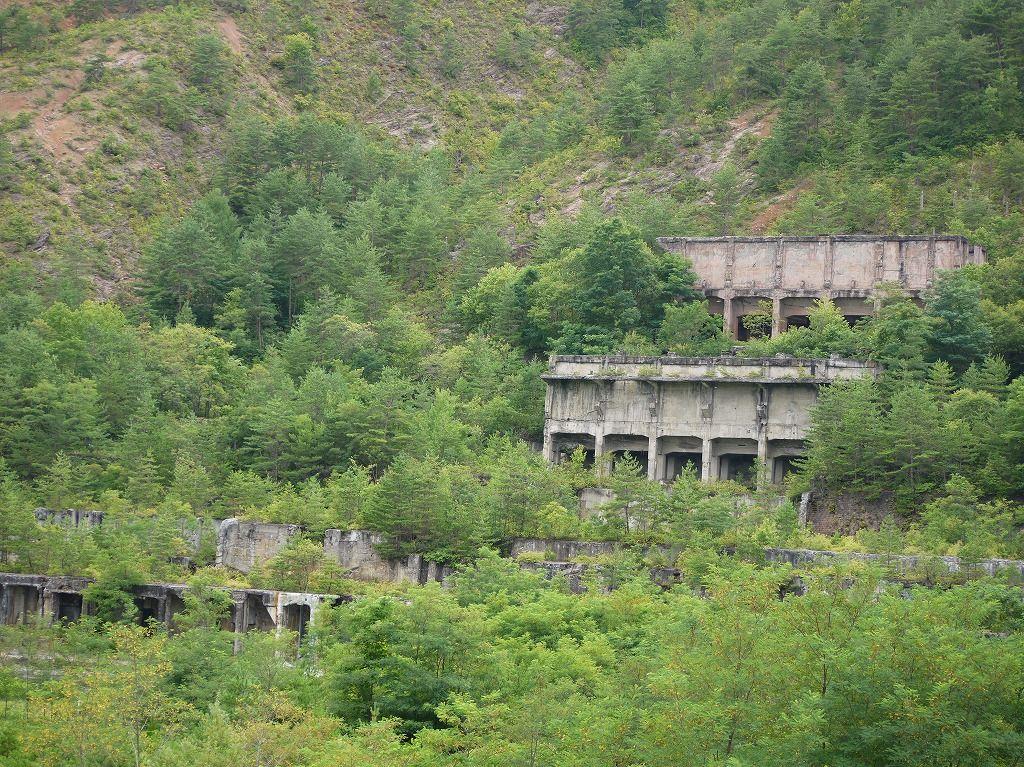 望遠レンズ必携!フォトジェニックな巨大廃墟・秋田「尾去沢鉱山」