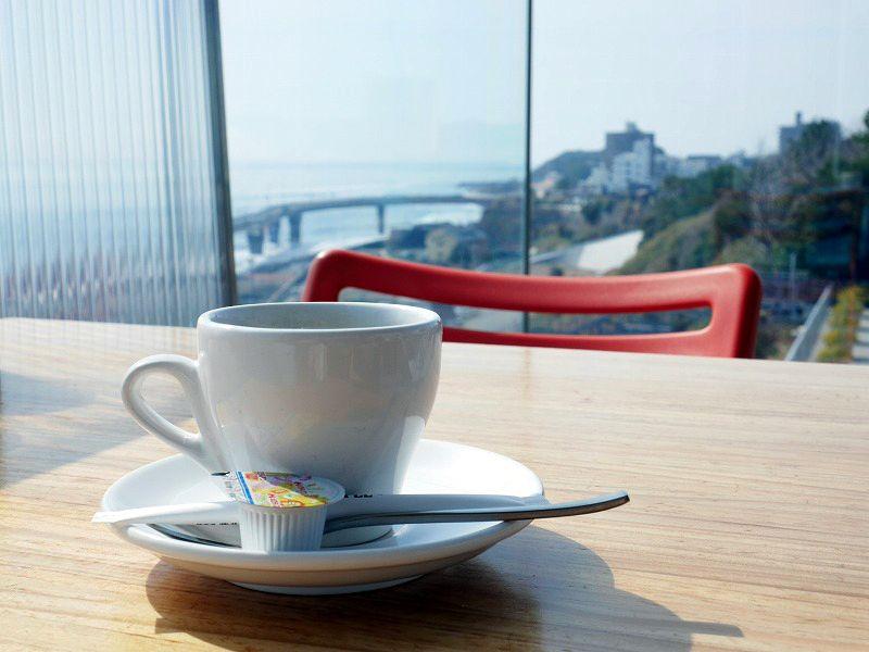 絶景の「シーバーズカフェ」でいただくサザコーヒー