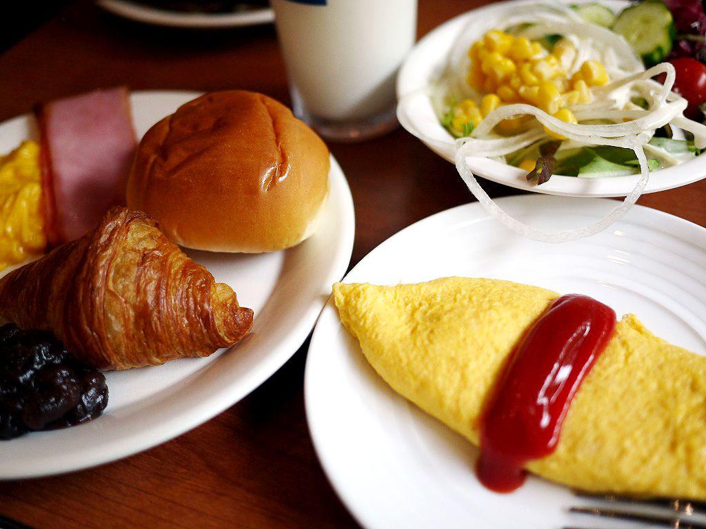 名古屋めしもある充実の朝ご飯