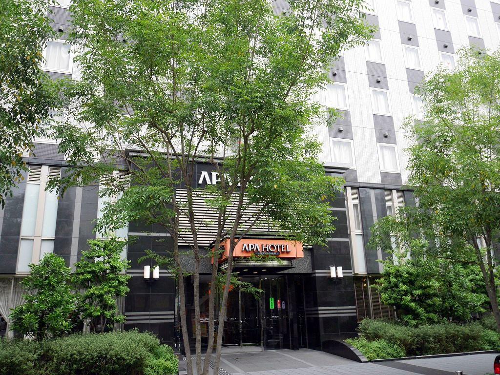 栄駅から徒歩5分!24時間利用可能な駐車場も完備。