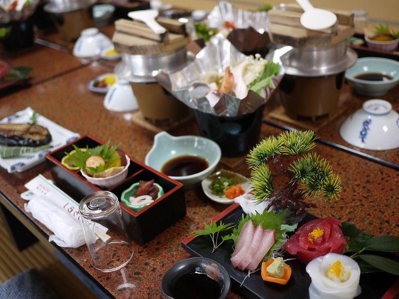 地元の鮮魚を温泉で調理!食べてきれいになれるお料理