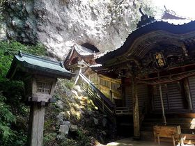 島根県・西ノ島 火の玉伝説の残る隠岐最古の「焼火神社」