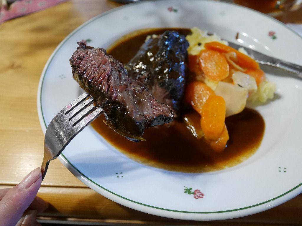 ボヘミアンスイスを味わおう!地産地消のレストラン「ナ・ストドルツィ」