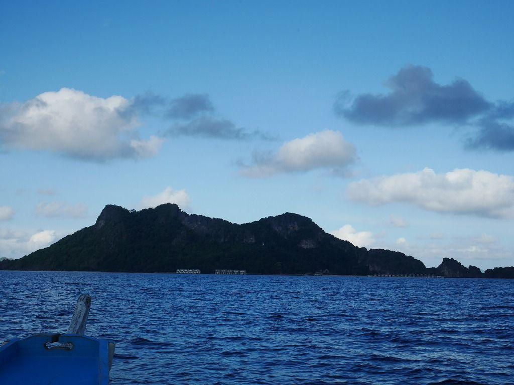 秘境感にワクワク!プロペラ機とボートで行くアプリット島
