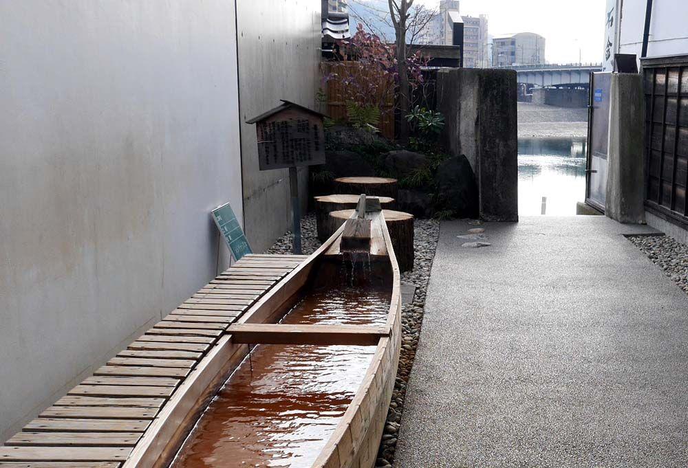 町歩きや温泉も楽しめる長良川河沿い散歩