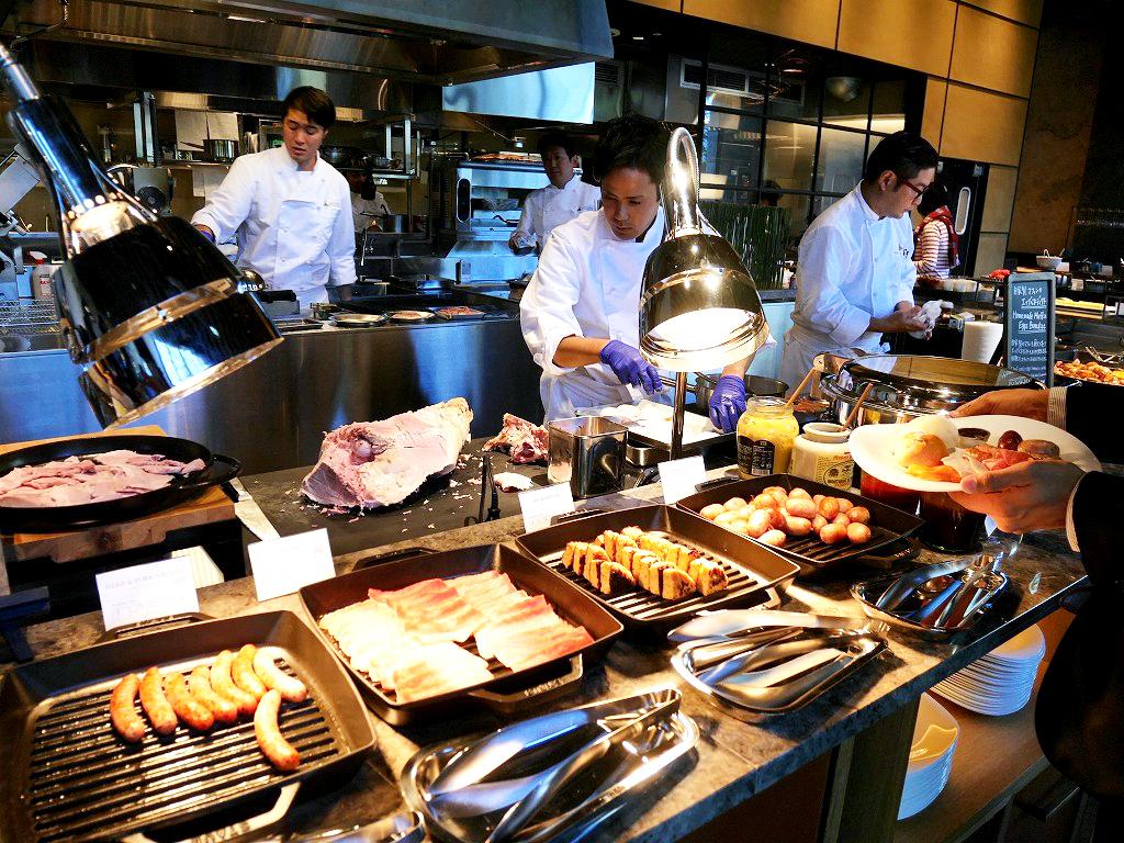 グランピング気分で味わう!三井ガーデンホテル神宮外苑の杜プレミアの朝食