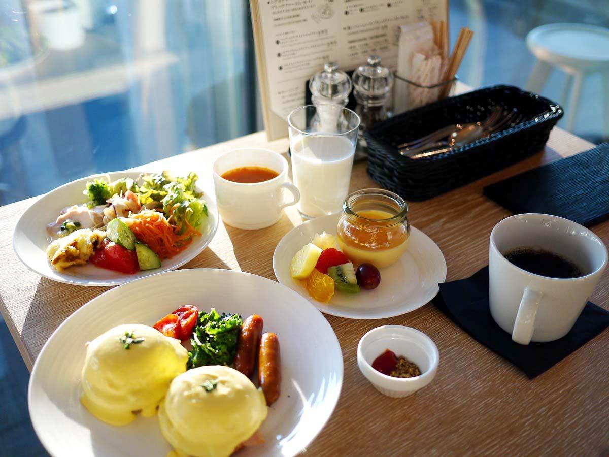 東京タワーを眺めながらバルコニーで朝食を!