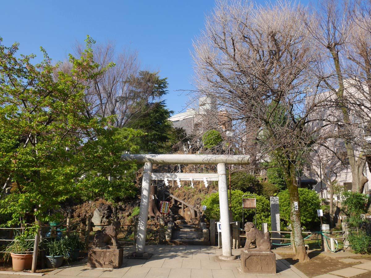 話題のパワースポット鳩森八幡神社