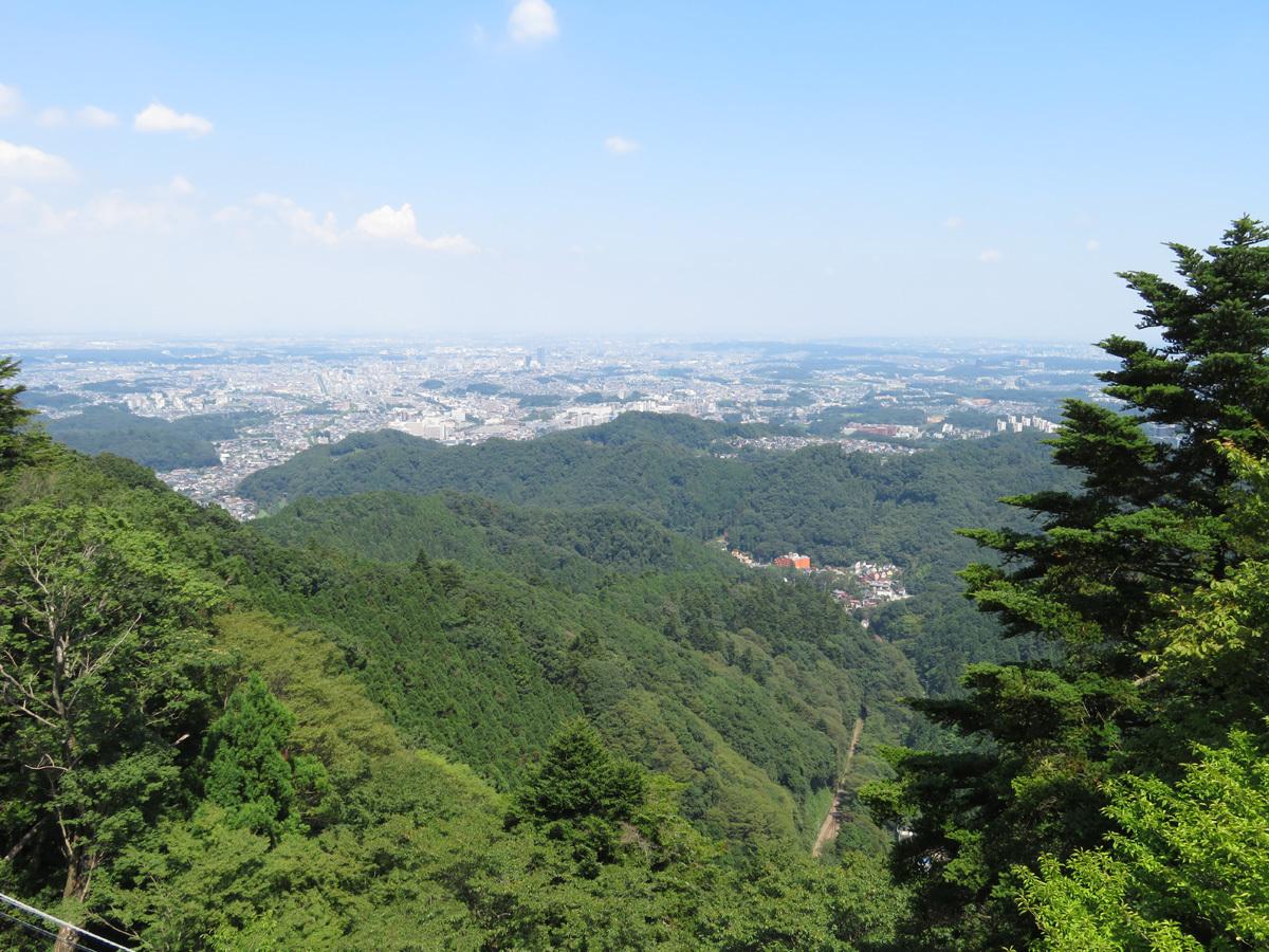 標高488メートルの高尾山ビアマウントからの絶景