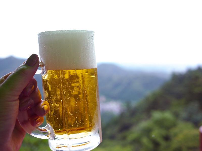 ビール片手に東京を一望!絶景とグルメの高尾山ビアマウント