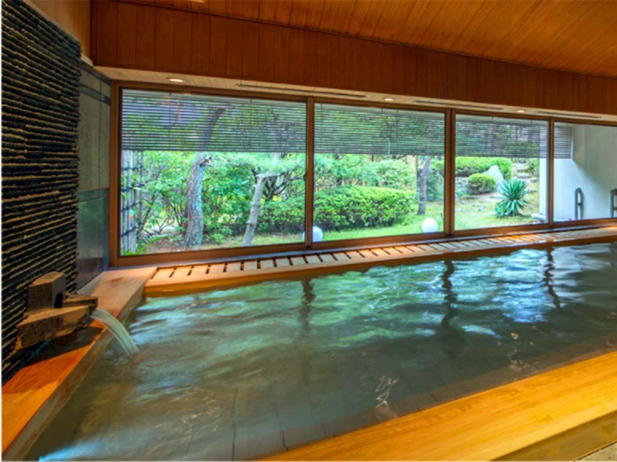 おこもり旅には部屋食に露天風呂がついた別邸「個止吹気亭」で!