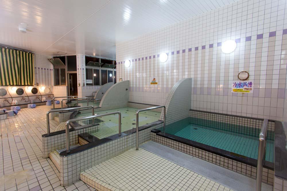 那覇で一番歴史のある天然温泉「りっかりっか湯」