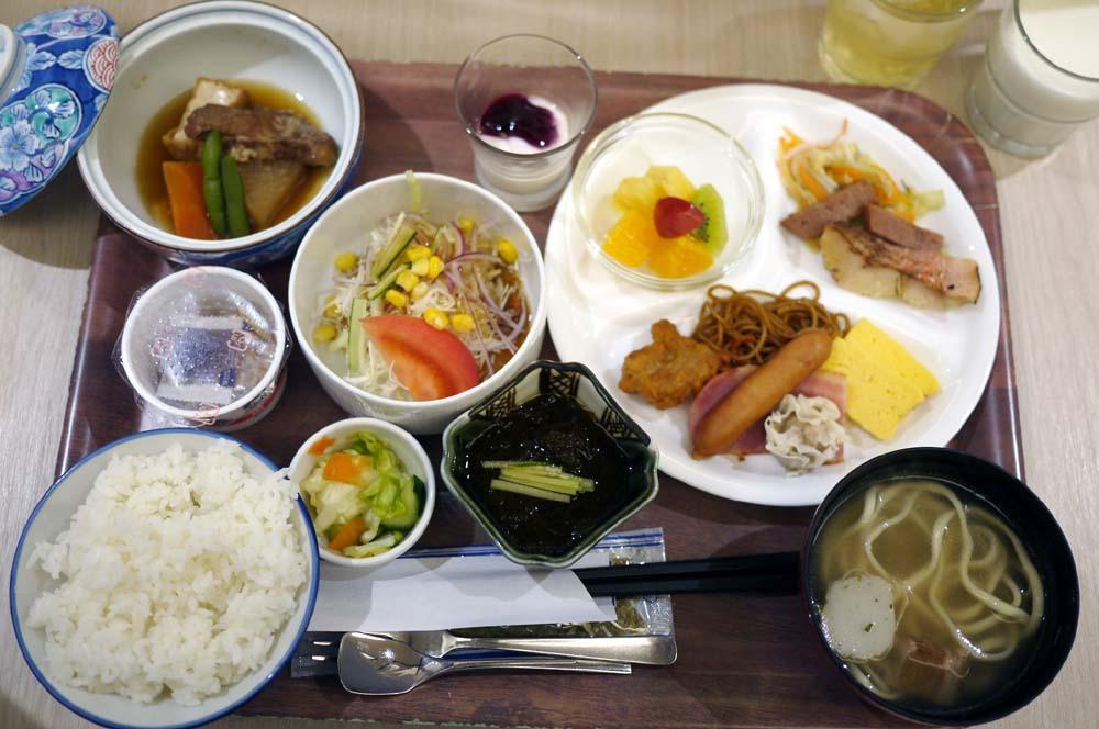 沖縄グルメを満喫できる朝ごはん