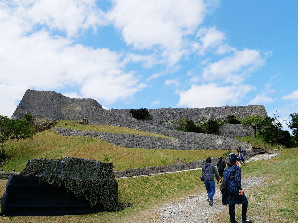 沖縄世界遺産最古のグスク勝連城跡でパワーチャージ!
