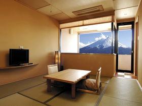 お部屋から富士の絶景が楽しめる「OYO 富士の宿 おおはし」