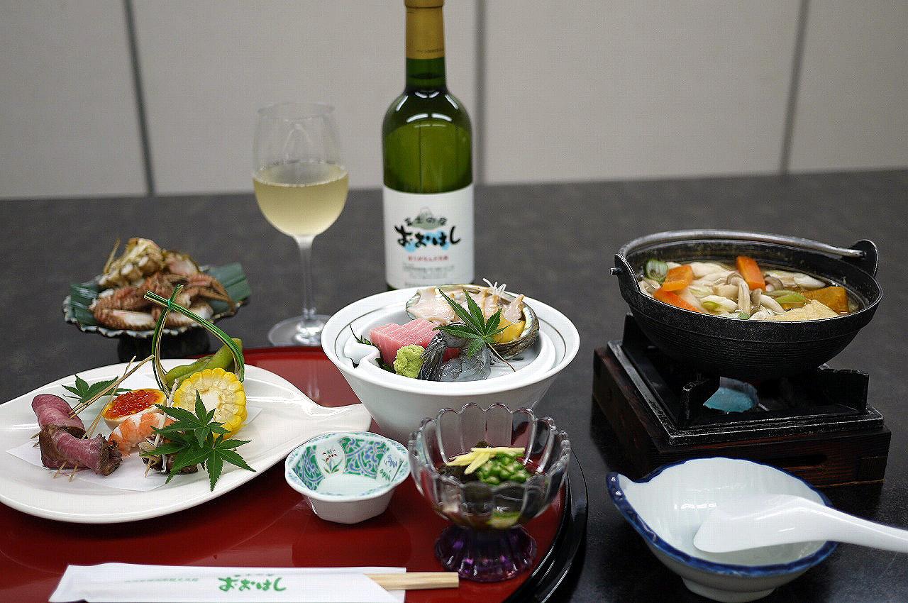 オリジナルワインと共に味わいたい豪華なお食事