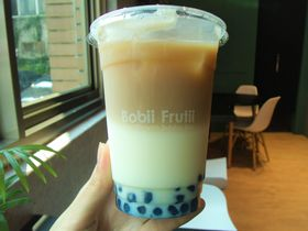 働きたくない藍色タピオカミルク?台北・永康街「Bobii Frutii」