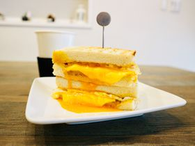 台湾朝ごはんに!チーズとろ〜りトーストの人気店「可蜜達」北門店