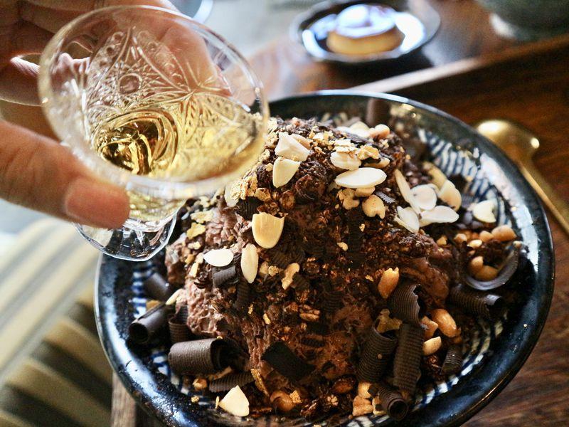 大人系ウイスキーチョコレート雪花冰が人気!台北「昭和浪漫冰室」