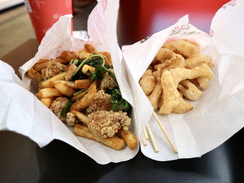 台湾定番揚げ物グルメを台北・西門町で!注文楽々「台灣鹽酥鶏」