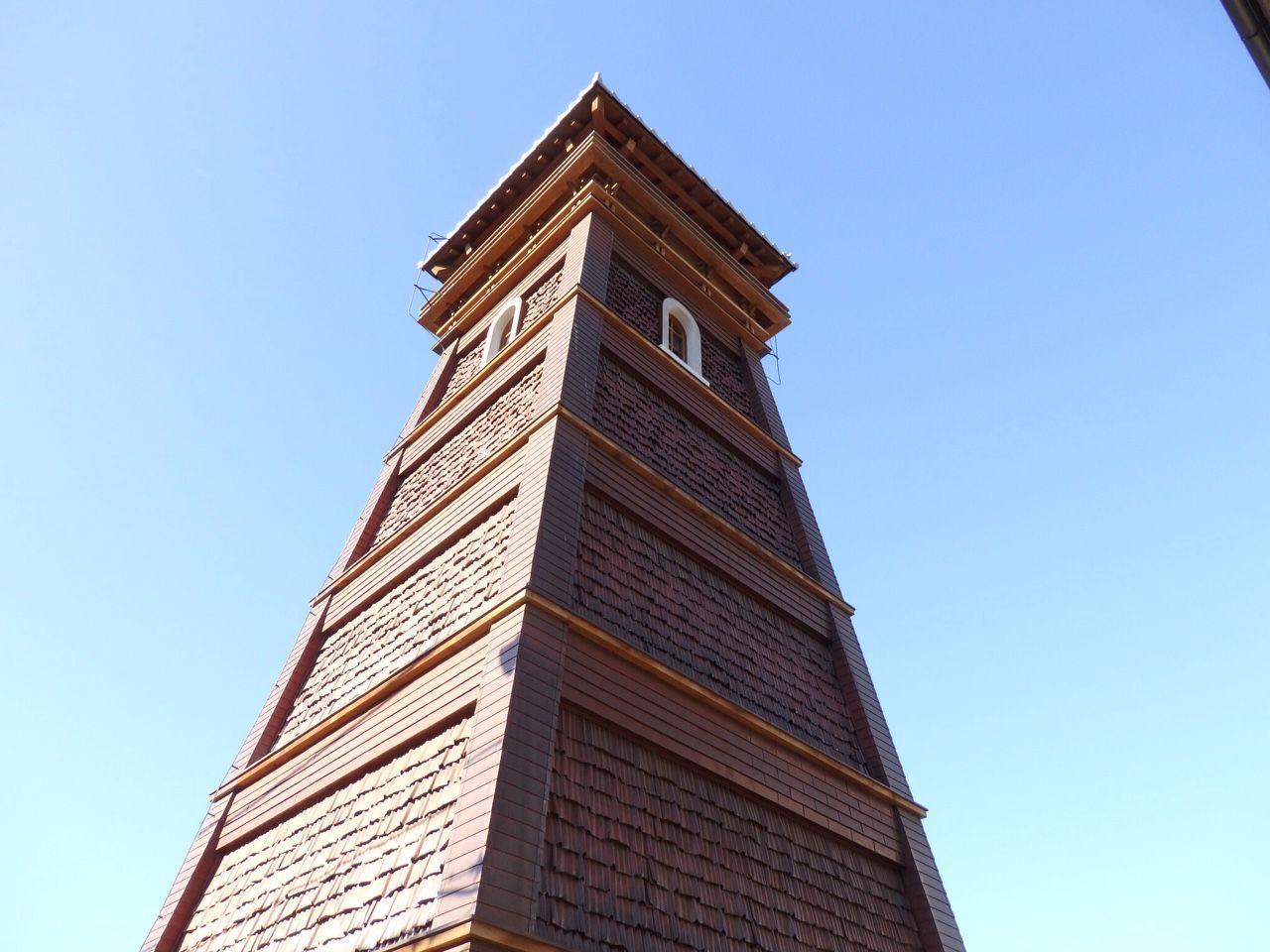 甲州夢小路のシンボル「時の鐘」の魅力と遊び心