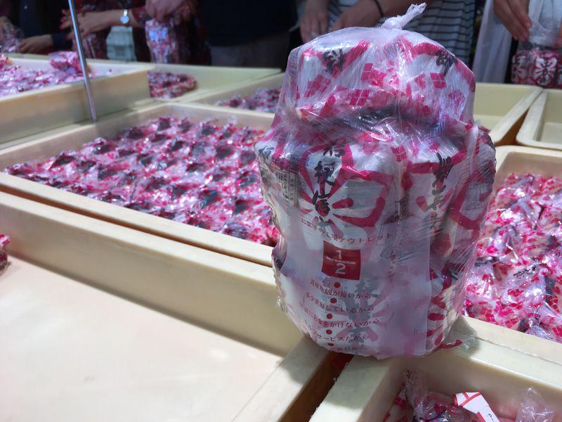 220円で桔梗信玄餅が詰め放題!山梨・桔梗信玄餅工場テーマパーク攻略法