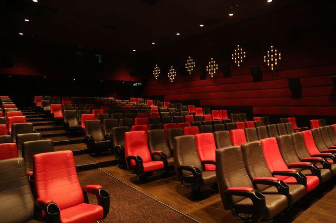 日本未公開映画も香港ならお酒片手にいち早く楽しめる!
