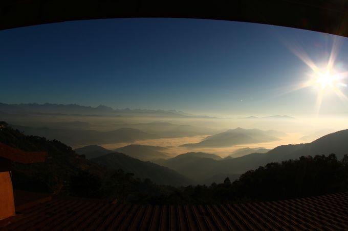 雲海を照らす朝日は絶景!
