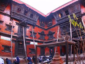 神々の住む町!ネパールの首都カトマンズ市街中心部と古都パタンの街歩き