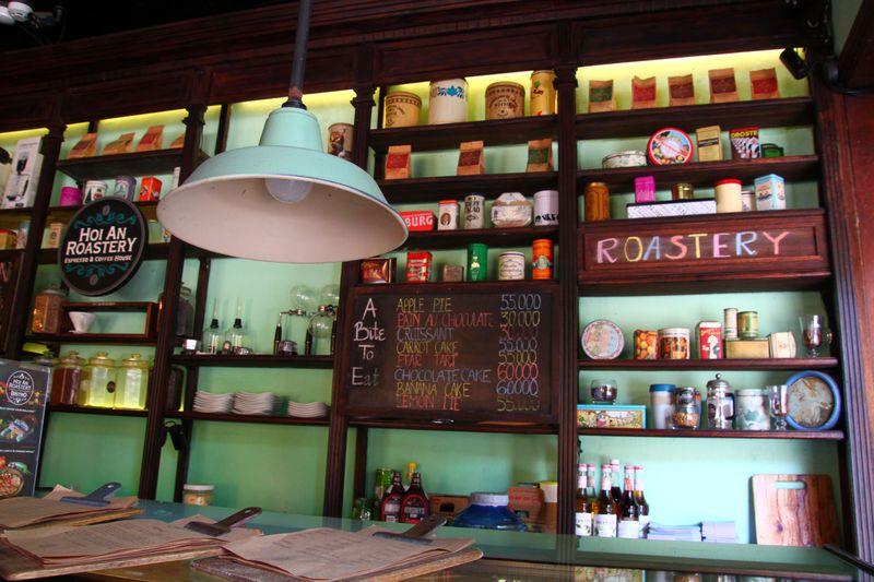 ベトナムの世界遺産ホイアンで欠かせない四大名物料理と可愛いカフェ