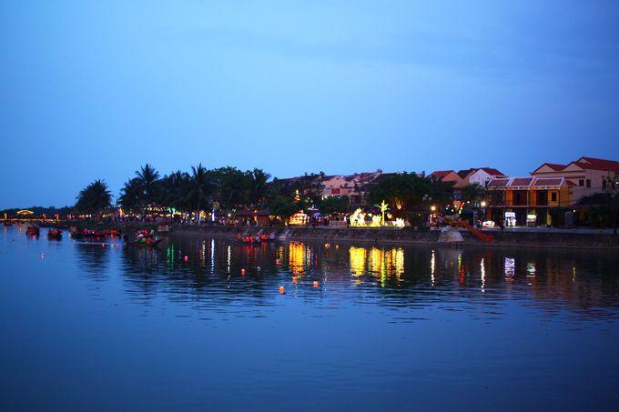 ドュボン川の夜景を眺めながらディナー